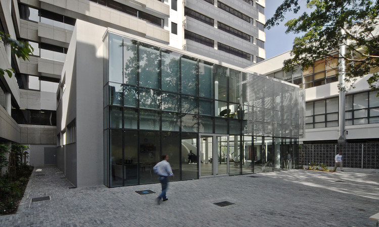 Old Mutual Central Campus / Perry + Anderson Architecture
