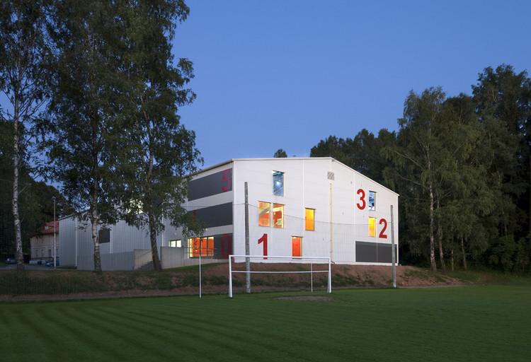 Dolni Dobrouc Sport Hall / Alexandr Skalický Architekt, © Ester Havlová