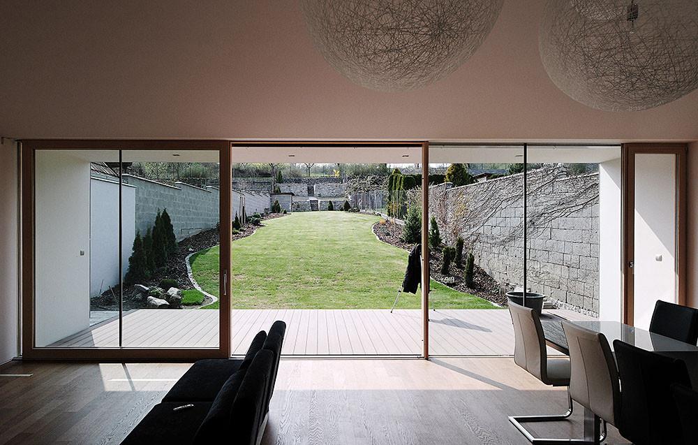 Gallery of DEV House / GutGut - 10