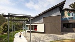 Pine Community School / Riddel Architecture