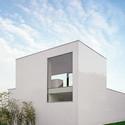 haus mit atelier c18 architekten archdaily. Black Bedroom Furniture Sets. Home Design Ideas