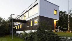 Plastic House / Unit Arkitektur AB