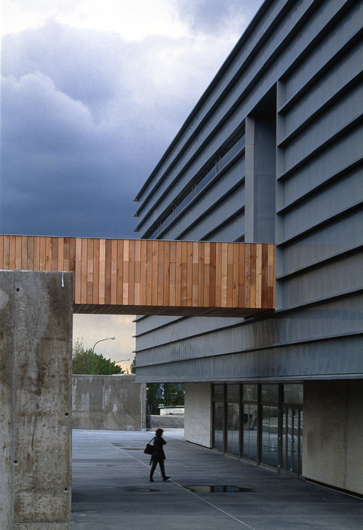Polytechnic School / Iñaqui Carnicero, © Roland Halbe