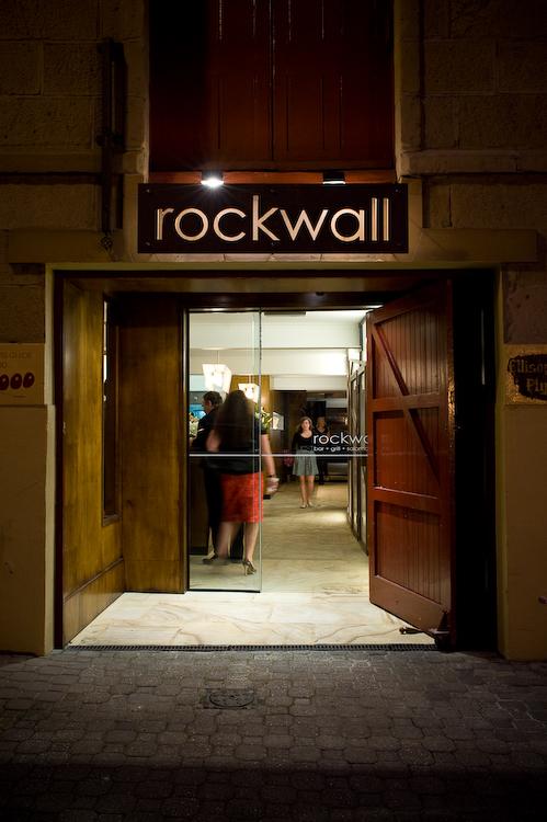 Rockwall Bar & Grill / Dock4 Architecture, © Jonathan Wherrett
