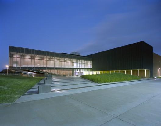 LITE Technology Center / Eskew+Dumez+Ripple + Guidry Beazley Architects