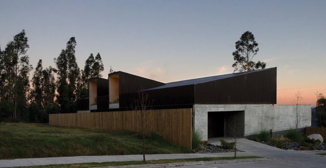Concepción House / Elton+Leniz Arquitectos, © Natalia Vial