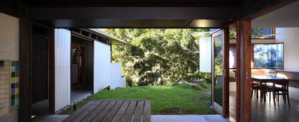 F2 House / Donovan Hill Good Looking