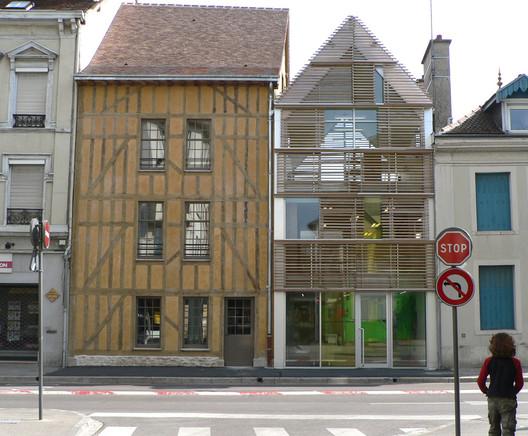 Agence commerciale opac de l 39 aube colom s nomdedeu for Architecte aube