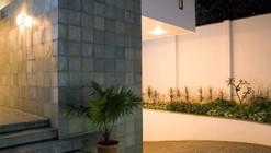 Fernandes House / Khosla Associates