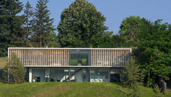 Biscuit House / AUM Pierre Minassian