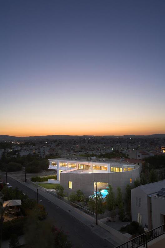 Chalkidos Street Residence / ARMON Choros Architektonikis LLC