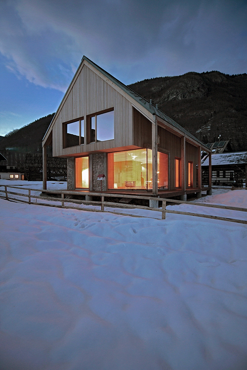 6x11 Alpine hut / OFIS arhitekti