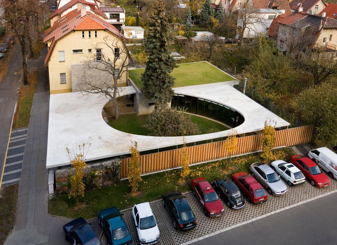 EggO House / A 69 Architects