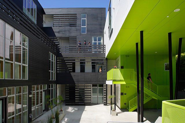 Habitat 825 / Lorcan O'Herlihy Architects