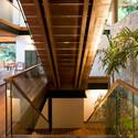 Guarujá House / Bernardes Jacobsen