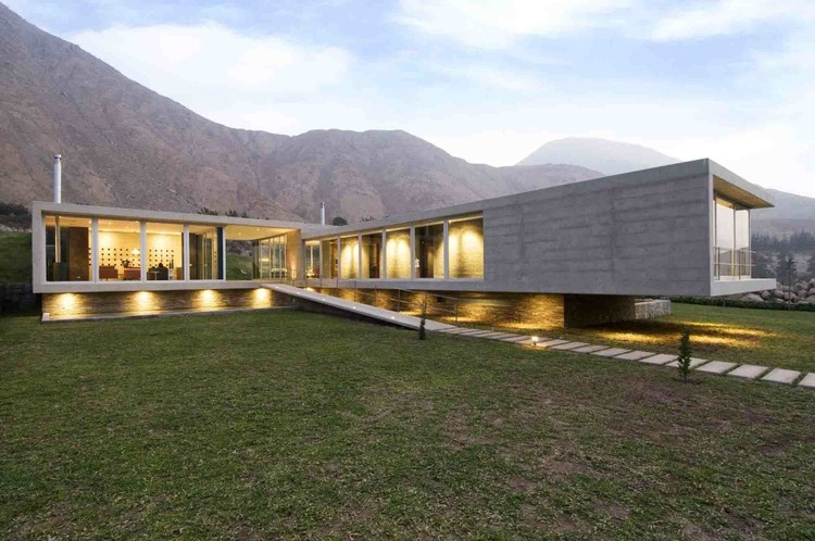 House on The Andes / Juan Carlos Doblado