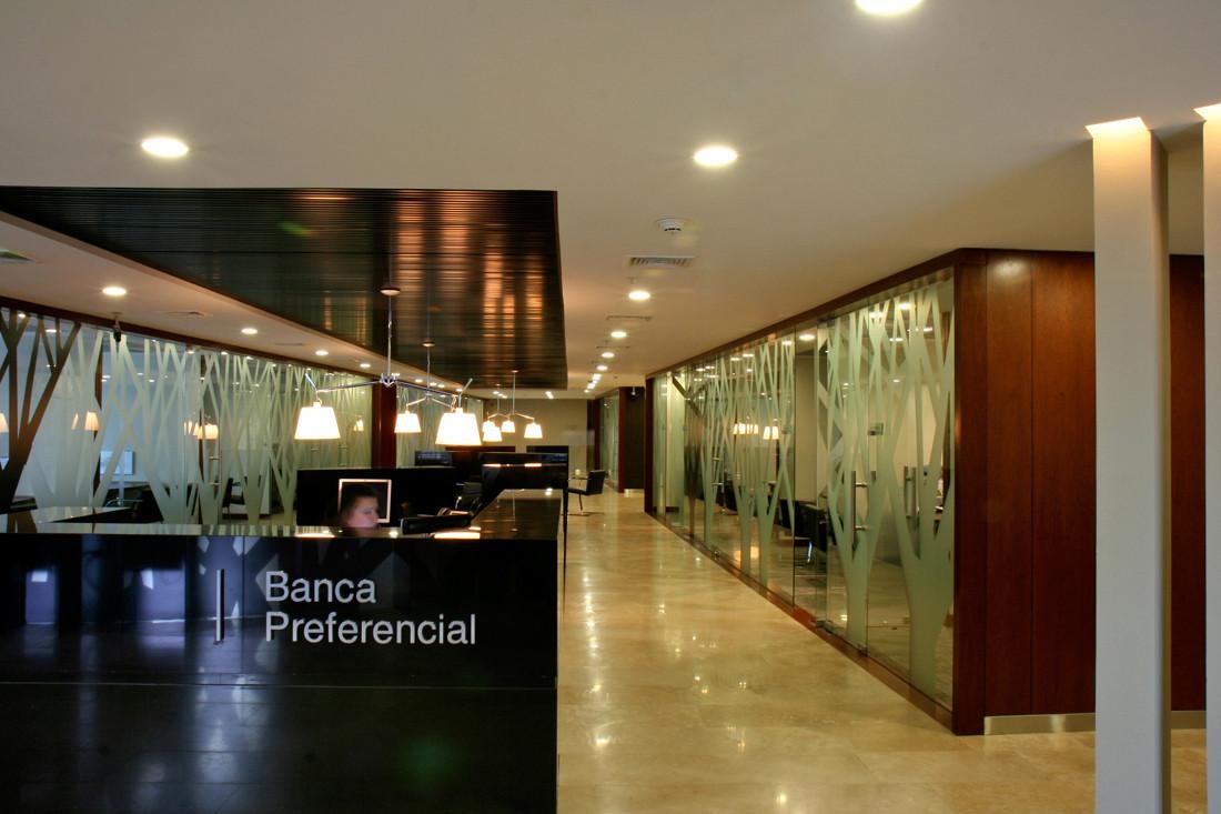 El Bosque offices / Mas y Fernández Arquitectos
