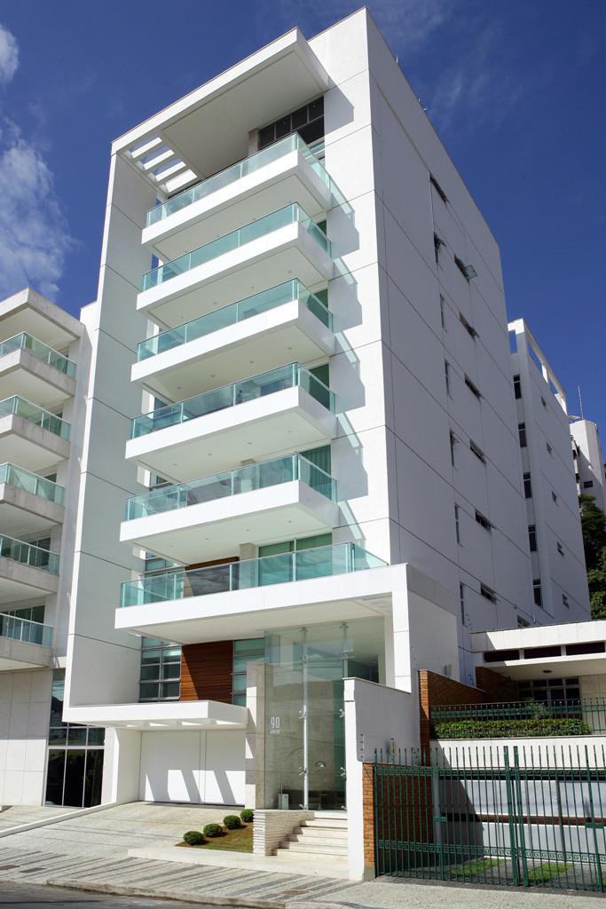 Maiorca residential building louren o sarmento archdaily for Fachadas de apartamentos modernas