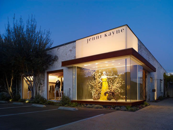 Jenni kayne boutique standard archdaily for Modern retail building design