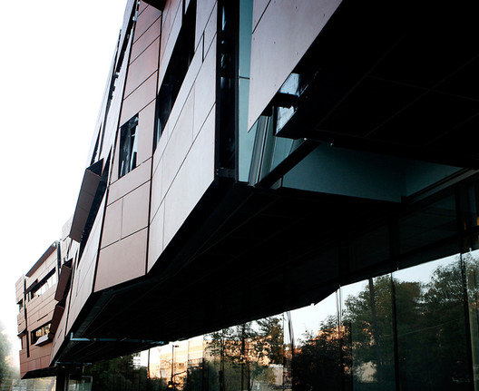 Cahill Center for Astronomy and Astrophysics / Morphosis Architects