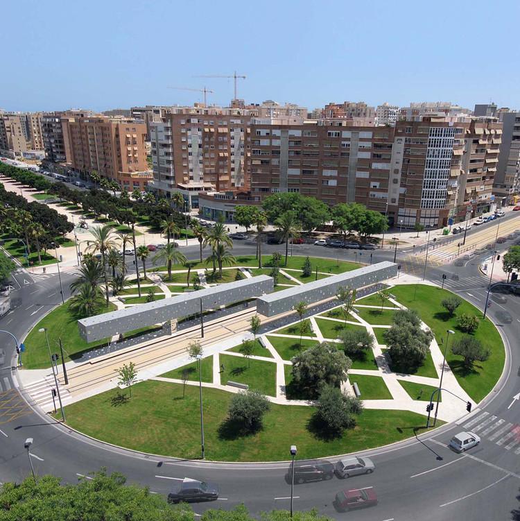 Tram stop in Alicante / Subarquitectura