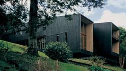 House on Lake Rupanco / Alejandro Beals, Christian Beals