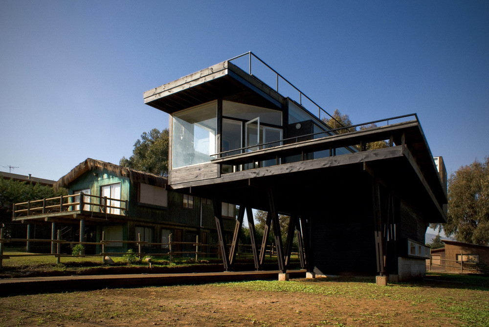 Catwalk house