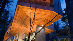 M1 Residence / Skylab Architecture (Twilight movie house)