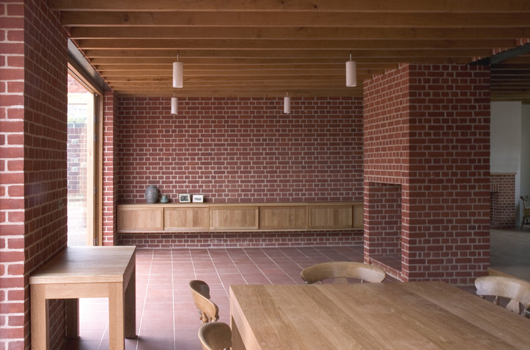 The house of Clay and Oak / Dow Jones Architects