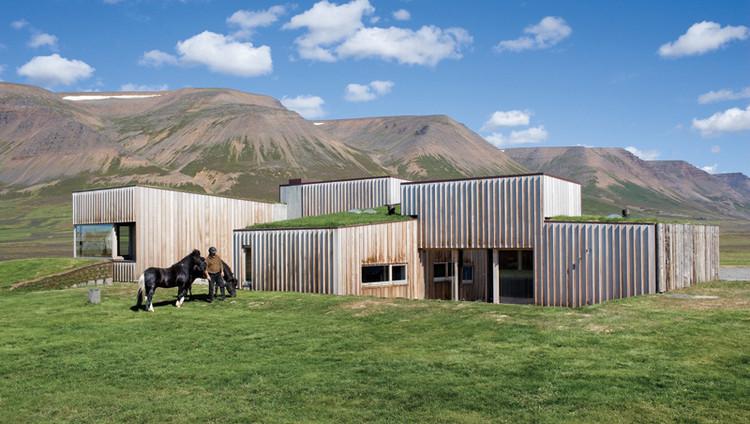 Hof Residence / Studio Granda