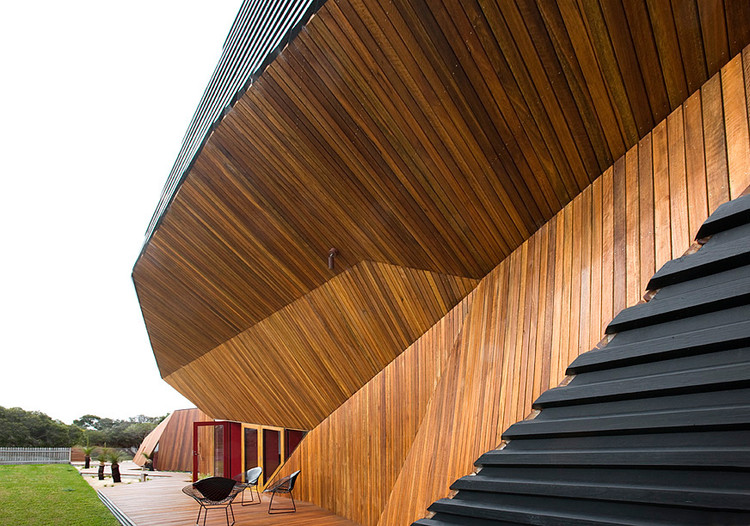 Letterbox House Mcbride Charles Ryan Archdaily - Letterbox-house-in-blairgowrie-australia