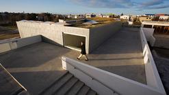 Laugalaekjarskoli secondary school extension / Studio Granda