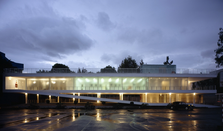 Vladimir Kaspe Cultural Center / Jorge Hernandez de la Garza