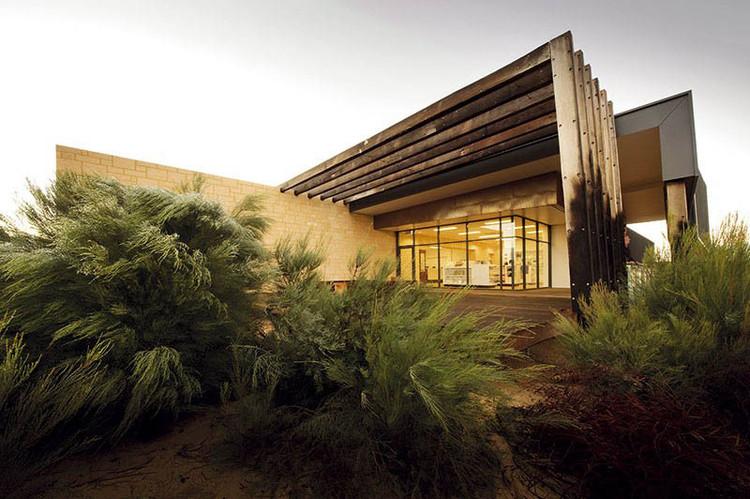 Pinnacles Interpretive Centre / Woodhead | ArchDaily