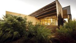 Pinnacles Interpretive Centre / Woodhead
