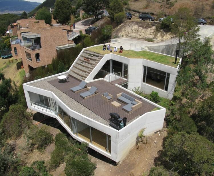 V House / Giancarlo Mazzanti + Plan B Arquitectos