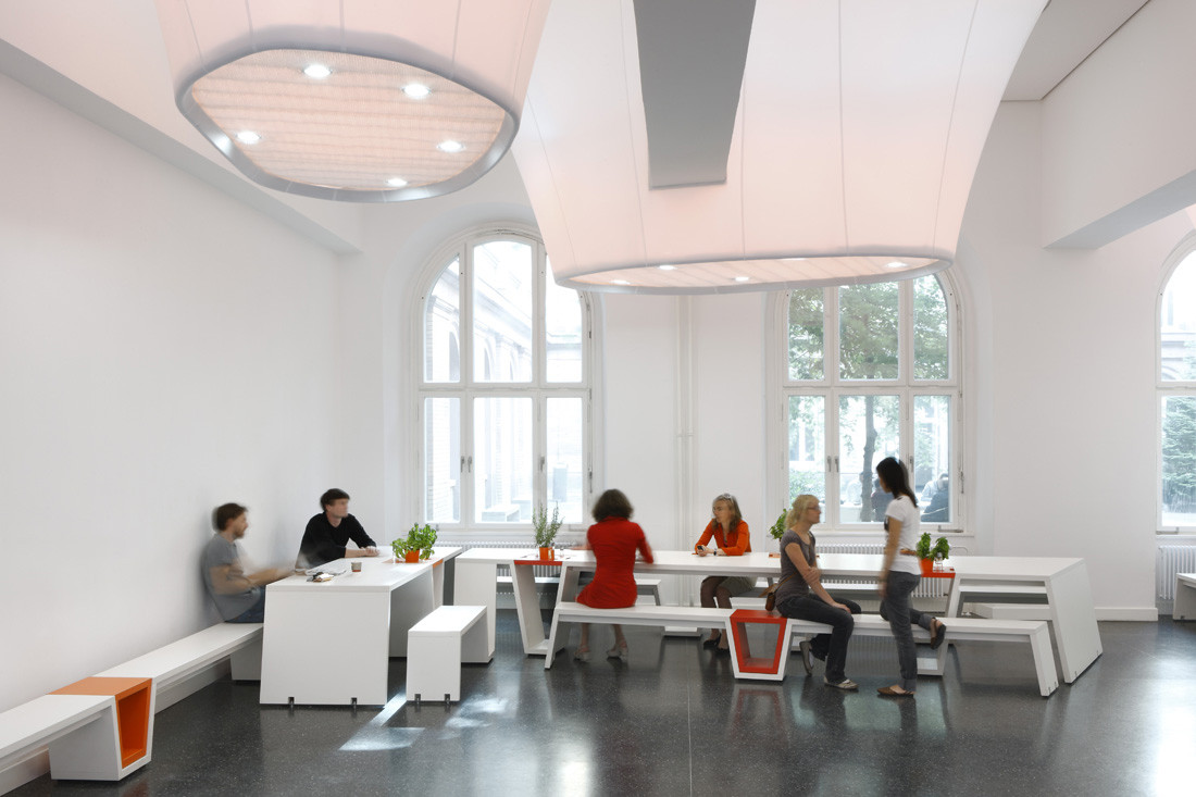 Sheet Lightning Cafeteria Die Baupiloten Archdaily