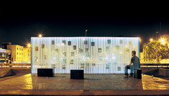 Women in the Memory Monument / oficina de arquitectura
