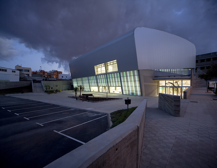 Higueritas Sport Center / GBGV Arquitectos