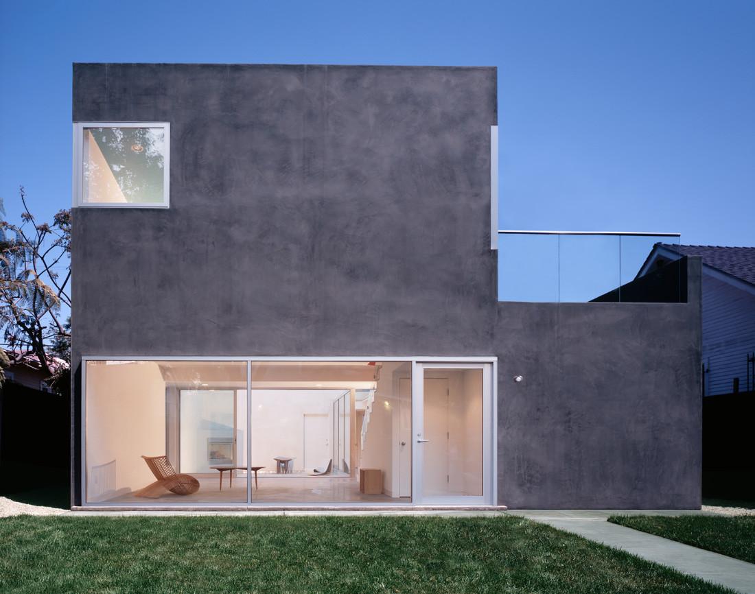 Sale house / Johnston Marklee & Associates