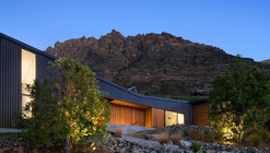 Drift Bay House / Kerr Ritchie Architects