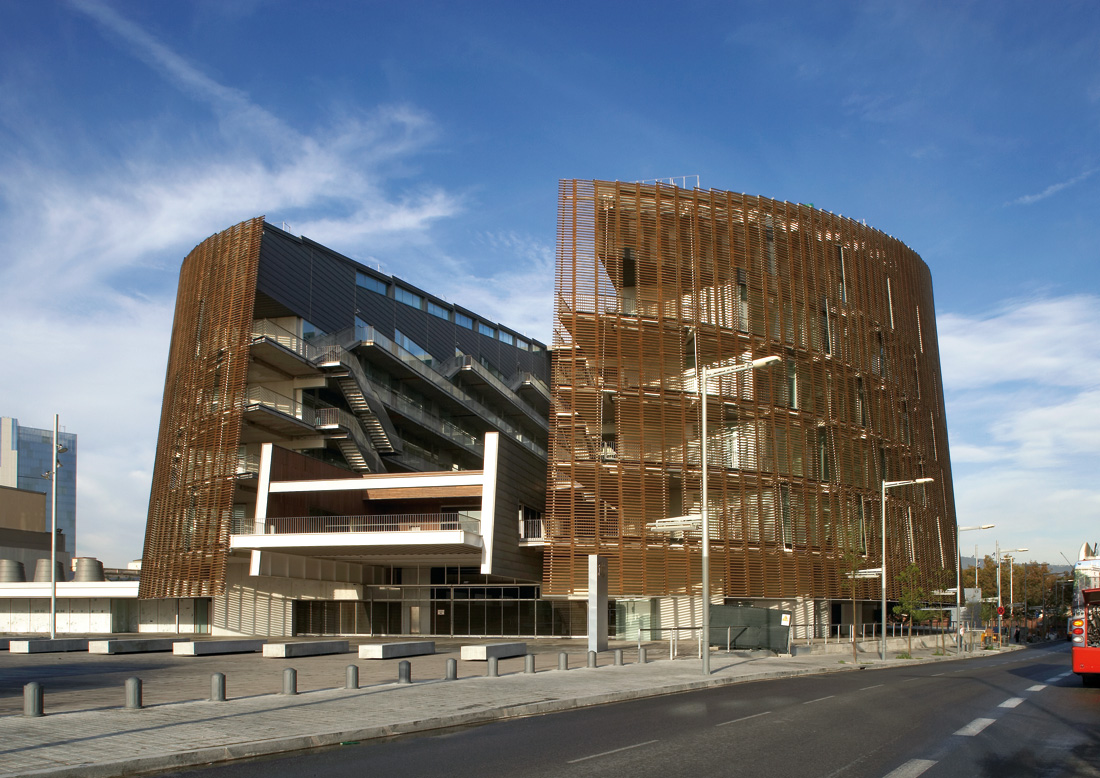 Barcelona biomedical research park manel brullet R house architecture research office