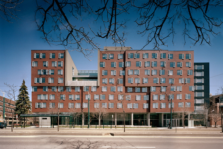 New College Student Residence / Saucier + Perrotte architectes