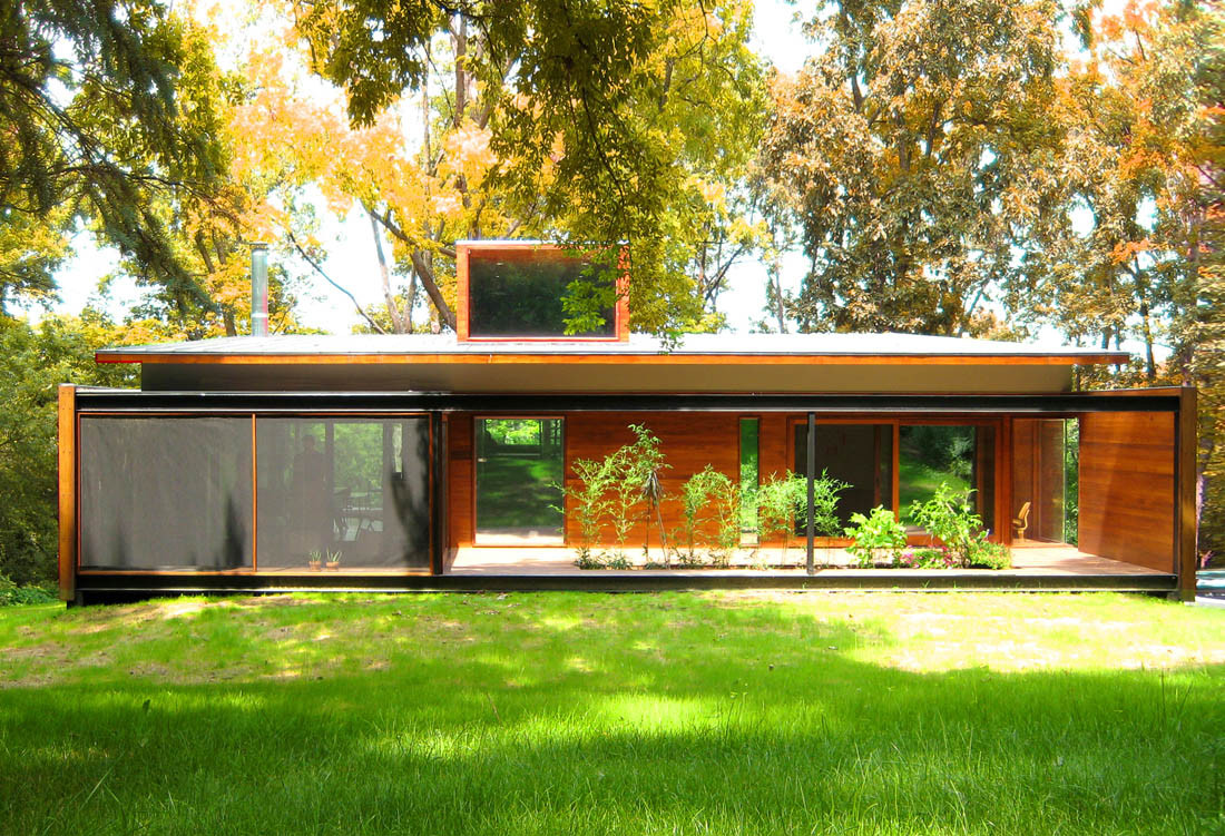 Ferrous house johnsen schmaling architects archdaily for Simple modern wood house