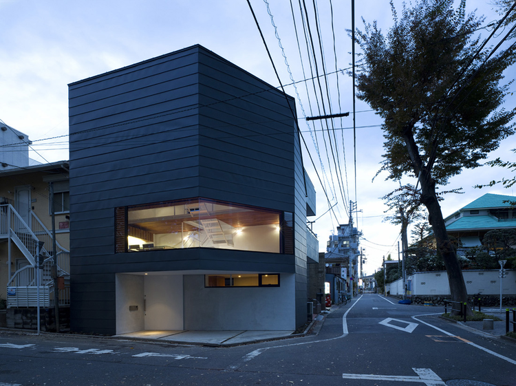 House in Sakuragawa / Suppose Design Office