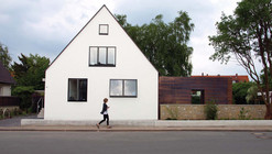 House + / Anne Menke