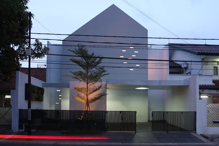 Muted House / Aboday Architects, © Happy Lim