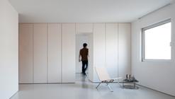 Apartment in Carcavelos / Hugo Proença