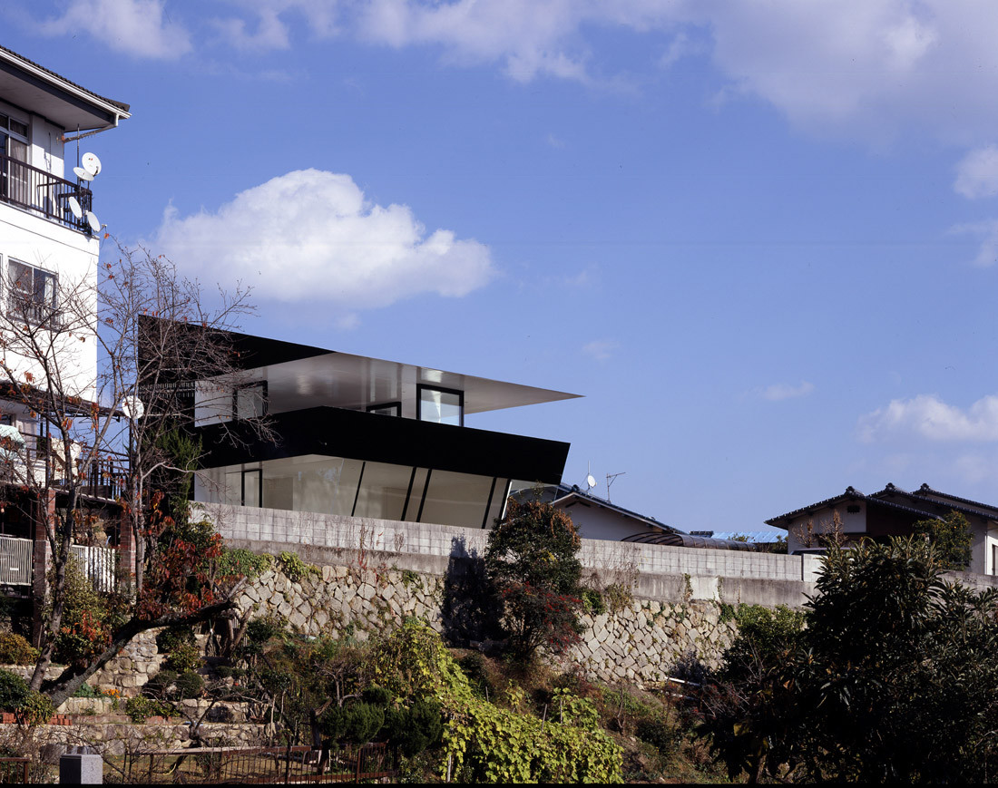 House in Otake / Suppose Design Office