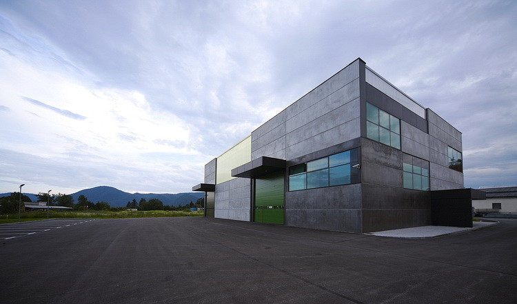 Office, Store & shop concrete container / OFIS Architects, © Tomaz Gregoric